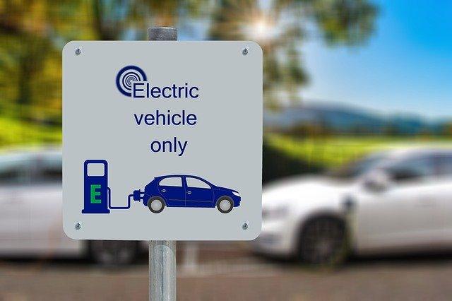 Samochody elektryczne w Polsce. Zalety i wady