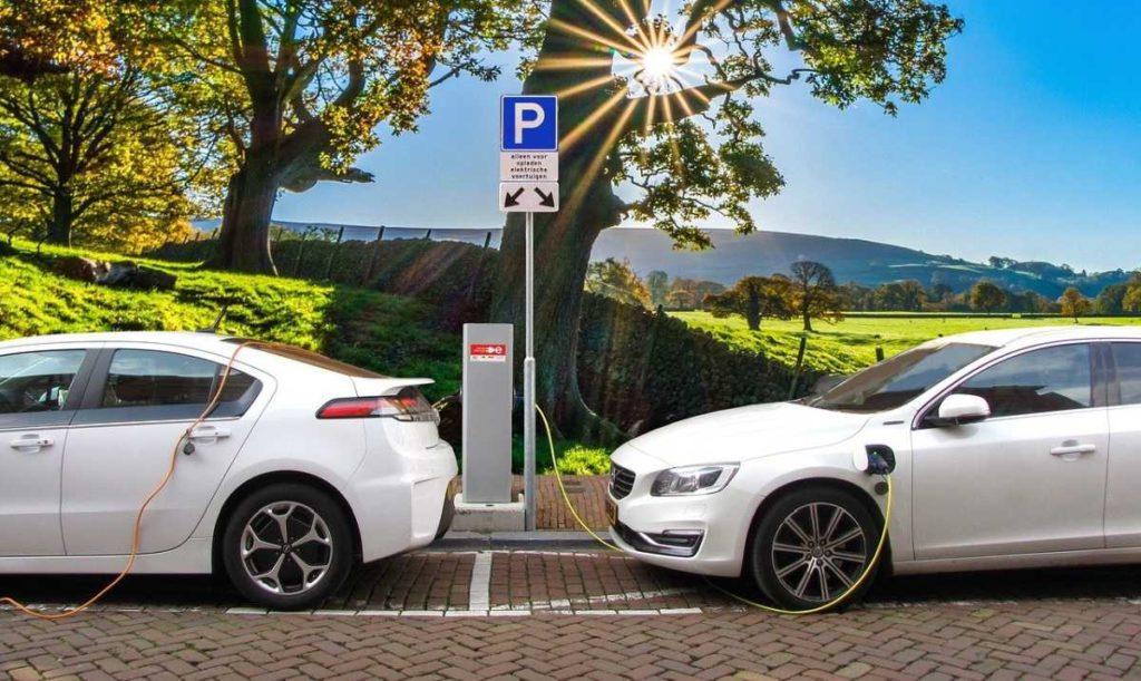 Czy warto kupić samochód elektryczny