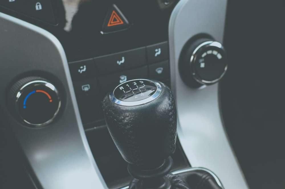 Czy samochody elektryczne mają skrzynię biegów